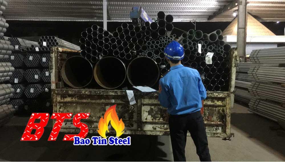 nhập khẩu ống thép theo quy cách riêng